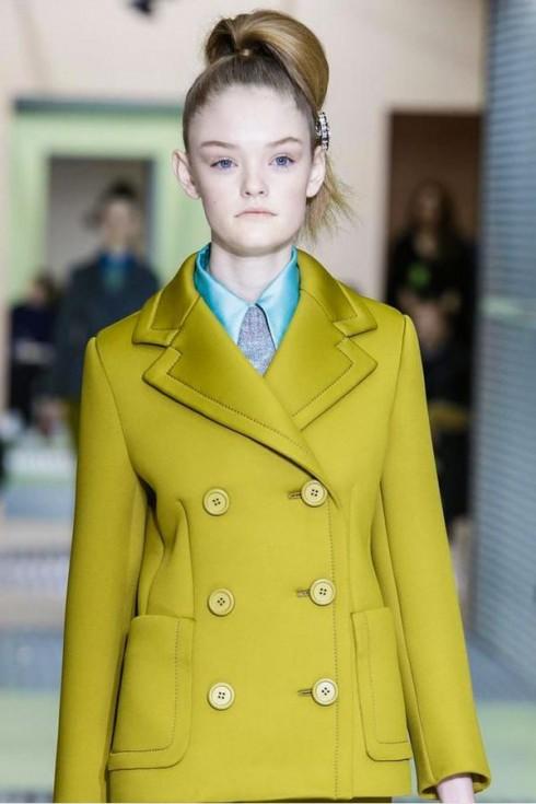 Người mẫu thời trang Willow Hand tại show diễn Prada