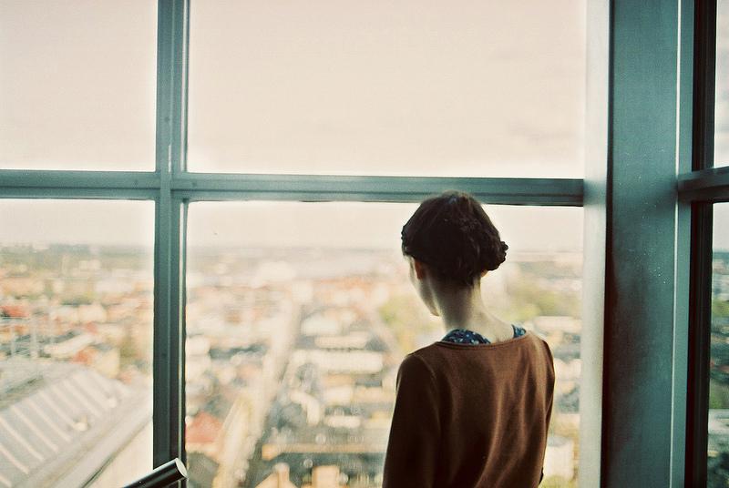 Sự im lặng có đáng sợ vì sự không có hình thù của nó?