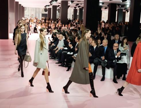 Không gian trình diễn Dior Show