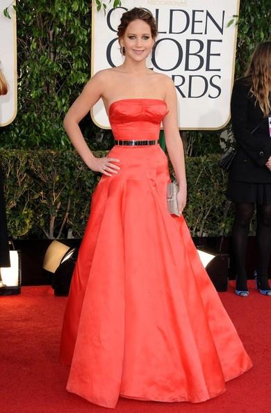 Thời trang thảm đỏ của Jen khi tham dự Lễ trao giải Annual Golden Globe Awards lần 70 tại Beverly Hilton, Beverly Hills, California (13/1/2013).