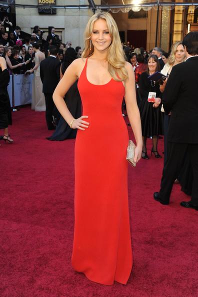 Thời trang thảm đỏ của Jen trong Lễ trao giải Annual Academy Awards lần thứ 83 tại nhà hát Kodak, Hollywood, California (27/2/2011).