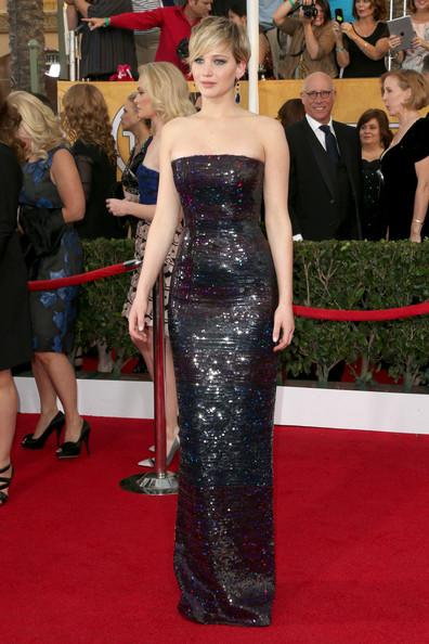 Thời trang thảm đỏ của Jen khi tham dự giải thưởng Annual Screen Actors Guild Awards lần thứ 20 tại The Shrine Auditorium, Los Angeles, California (18/1/2014).
