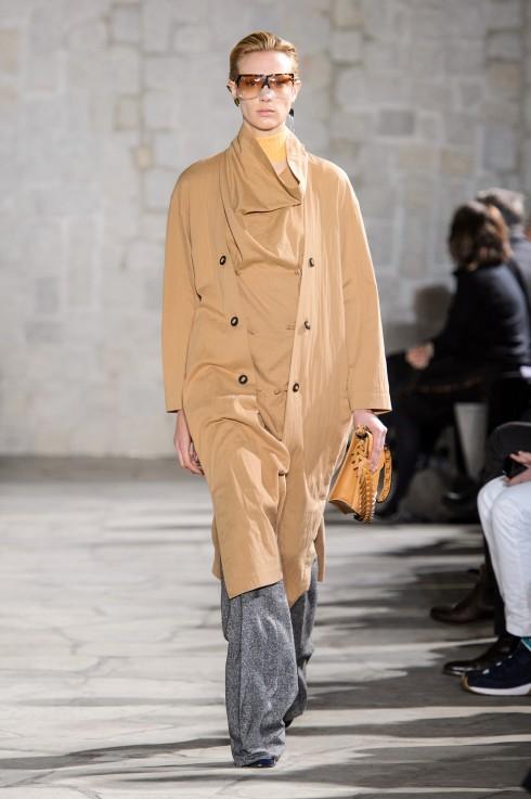 Những mẫu áo khoác dáng dài
