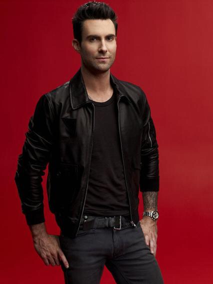 Adam Levine - Tuổi: 36. Kết hôn với thiên thần Victoria's Secret Behati Prinsloo năm 2014. Dự án âm nhạc sắp tới: Touring with Maroon 5 – lưu diễn vòng quay Thế Giới từ tháng 9/2015 đến tháng 3/2016.