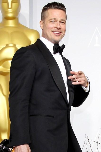 Brad Pitt - Tuổi: 51. Vợ là nữ minh tinh nổi tiếng Angelina Jolie, được bình chọn cặp đôi tuyệt vời nhất của Hollywood kể từ năm 2005. Brad chính thức kết hôn với Jolie từ ngày 23/8/2014. Dự án phim sắp tới: By The Sea, cùng sánh vai với Angelina kể từ Mr & Mrs Smith.