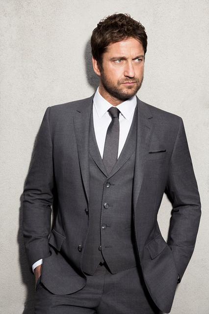 Gerrard Butler - Tuổi: 45. Vua Leonidas của phim 300 đã kết hôn với một nữ kiến trúc sư nội thất tên Morgan Brown. Dự án điện ảnh: đóng trong bộ phim hành động tội phạm-khủng bố: London Has Fallen.