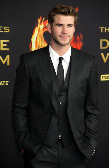 Liam Hemsworth - Tuổi: 25. Có vài nguồn tin cho rằng anh đang hẹn hò với Nina Dobrev. Dự án điện ảnh sắp tới: The Hunger Games: Mockingjay phần 2.