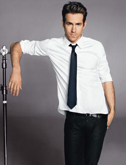 Ryan Reynolds - Tuổi: 38. Bí mật kết hôn với nữ diễn viên Blake Lively vào tháng 9,2012 và đứa con đầu lòng của họ chào đời vào năm 2014, bé tên James. Sản phẩm điện ảnh gần đây: Selfless (Tháng 7/2015).