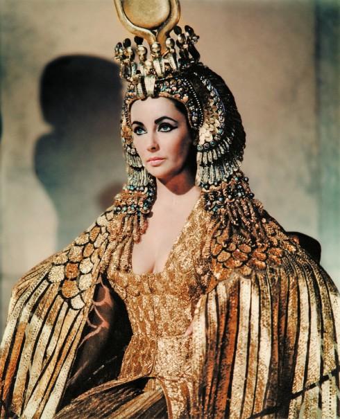 Nha thiet ke Irene Sharaff Cleopatra