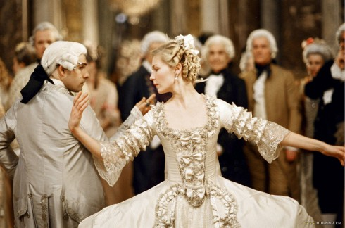 Nha thiet ke Milena Canonero Marie Antoinette