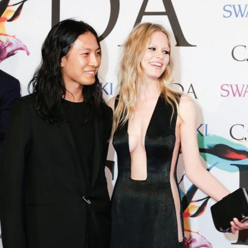 Anna Ewers va Alexander Wang