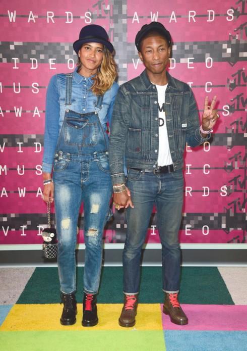 Ca sĩ Pharrell Williams bụi phủi cùng Jeans cực