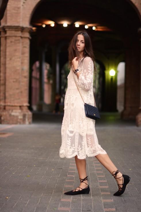 Bạn hoàn toàn có thể trở thành một tín đồ thời trang với chiếc đầm kì diệu này