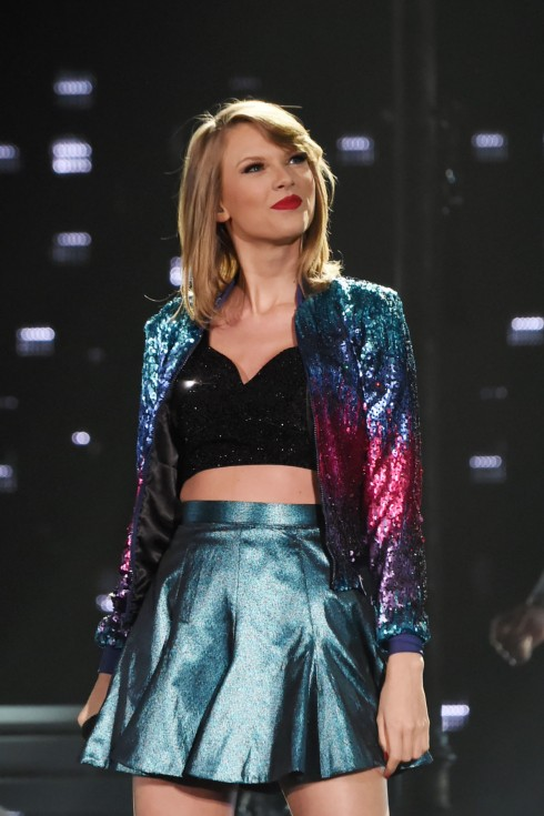 Taylor-swift-world-tour-wardrobe-1
