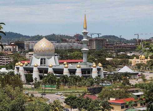 Toàn cảnh rực rỡ của Sabah State Mosque