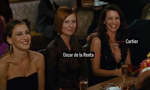 Nổi bật trong những buổi dạ tiệc khi diện đầm dạ hội của Oscar de la Renta , tô điểm với vòng cổ mặt to của Cartier