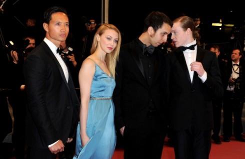 Kim Lý tại LHP Cannes năm 2012 bên cạnh nữ diễn viên Sarah Gadon, đạo diễn Brandon Cronenberg và nam diễn viên Caleb Landry Jones.