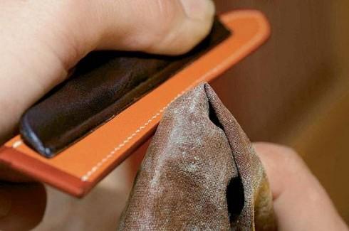 Quá trình chế tác đồ da hoàn toàn bằng tay của Hermès