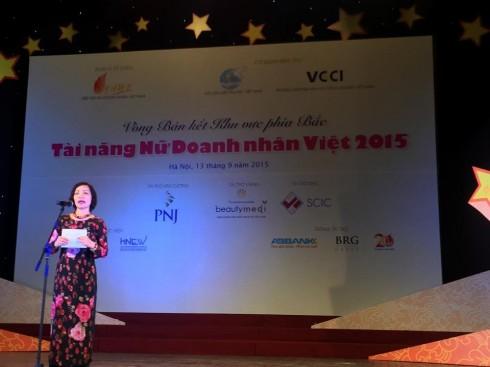Bà Hà Thu Thanh - Phó Trưởng ban Tổ chức cuộc thi phát biểu tại Vòng bán kết Khu vực phía Bắc