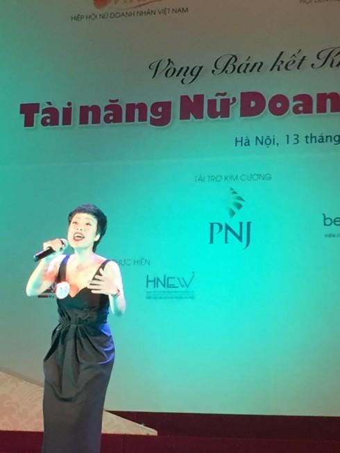 Thí sinh Hoàng Phương - Giám đốc công ty Digivision với ca khúc Ký ức Dòng sông nhận được sự đánh giá cao của Ban Giám Khảo để tiếp tục bước vào vòng trong