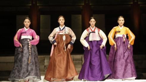 Hanbok là trang phục truyền thống của Hàn Quốc