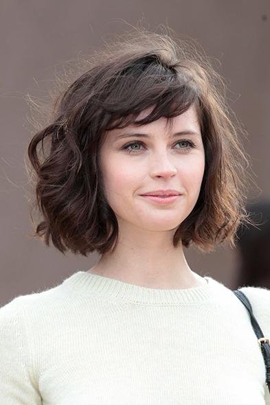 tóc xoăn cho gương mặt tròn