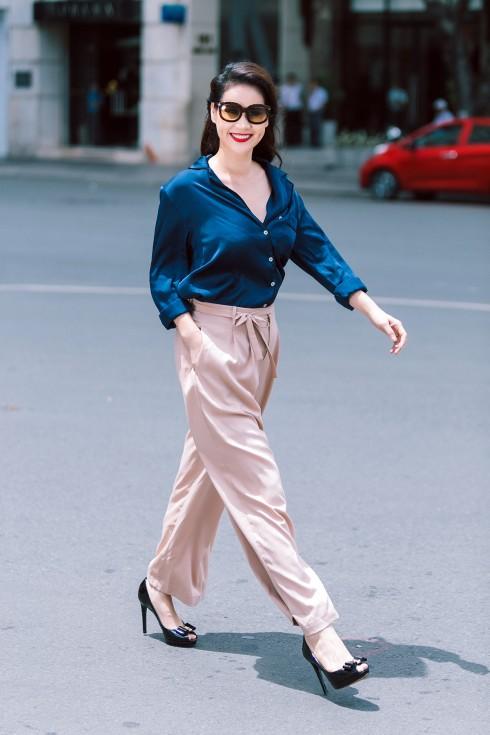 Trang phục lịch sự và tao nhã là lựa chọn yêu thích của Thân Thúy Hà