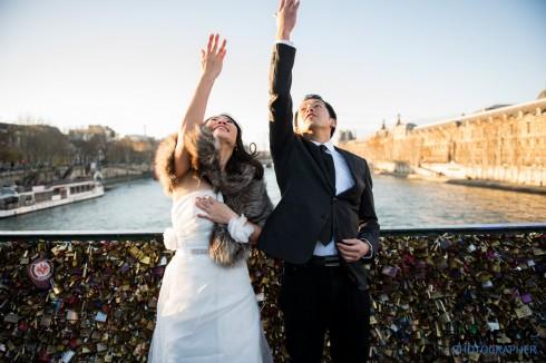 Pont des Arts, cây cầu tình yêu nổi tiếng của Lourve