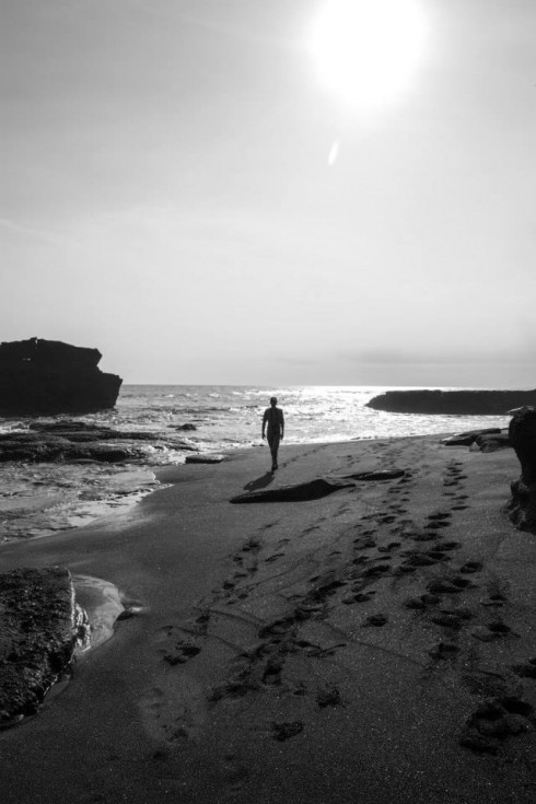 Những tâm hồn cô đơn lưu lạc đến hòn đảo của những vị thần (Ảnh: Ho Ny)