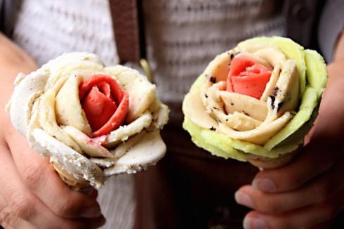 Kem hoa hồng lãng mạn