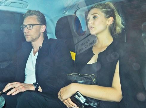 Bức hình hai người ngồi chung xe tại London dấy lên tinh đồn tinh cảm.