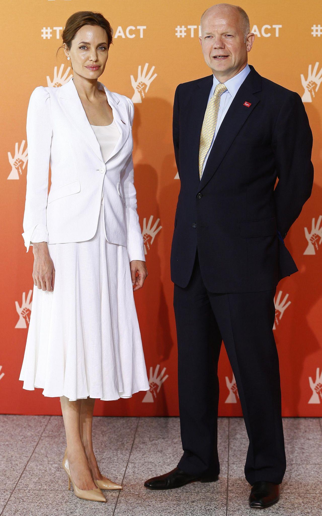 Angelina Jolie kịch liệt lên án nhóm khủng bố ISIS