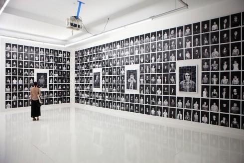 Người thành lập dự án iO Tillett Wright cùng những cộng sự của cô đã đi khắp nước Mỹ để chụp ảnh chân dung cho những người đăng ký.