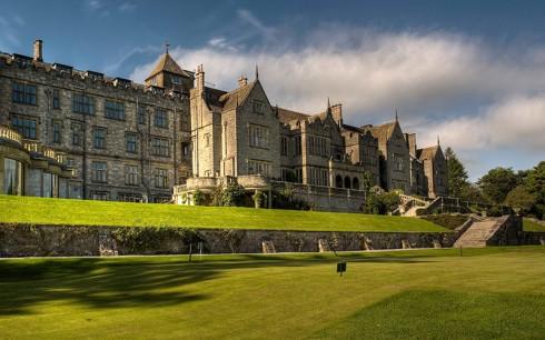 du lịch mùa thu - khách sạn Bovey castle, Anh