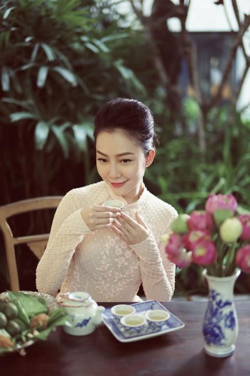 Tại Sài Gòn, để thưởng thức những tách trà sen Tây Hồ đúng chuẩn, khách hàng có thể đến với chuỗi nhà trà KhanhCasa Tea House.