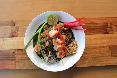 Pad Thái – món ăn truyền thống nổi tiếng của Thái  được nhiều người Việt Nam ưa chuộng