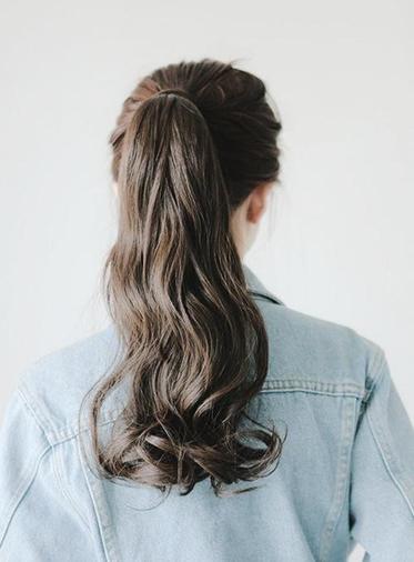 Kiểu tóc đẹp uốn xoăn