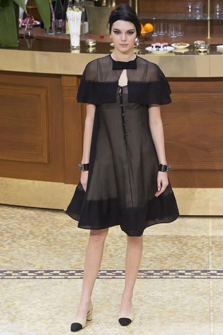 Chanel Thu-Đông 2015 Tuần lễ thời trang Paris