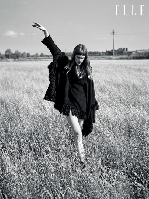 Áo choàng Dolce & Gabbana, Giày bốt Zadig & Voltaire