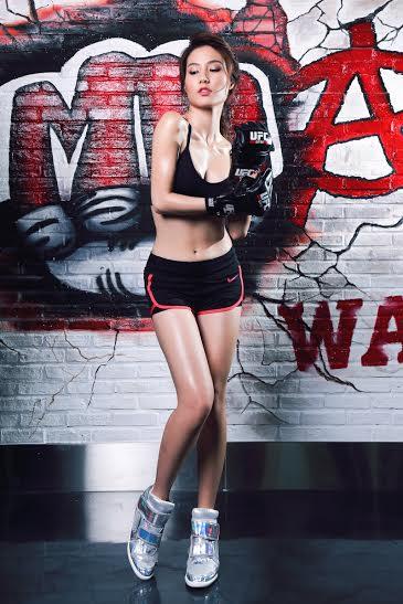 Được biết, vào ngày mai, Diễm My và Angela Phương Trinh sẽ được Ông Trùm Thể Hình và GIải Trí Randy Dobson mời sang Nhật để gặp gỡ các võ sĩ nhà nghề thế giới và xem trực tiếp trận đấu đối kháng UFC năm 2015. Đây là cơ hội vàng để cô có thể học hỏi được tinh thần của một đấu sĩ trong một trận đấu thật sự.