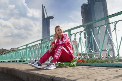 Khả Ngân trẻ trung, nổi bật với trang phục adidas neo