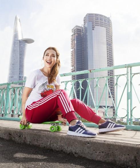 Khả Ngân trong trang phục Adidas Neo