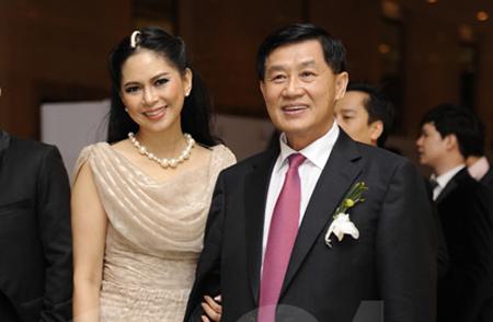 Chân dung của cặp đôi quyền lực. Ông Jonathan Hạnh Nguyễn và bà Lê Hồng Thuỷ Tiên