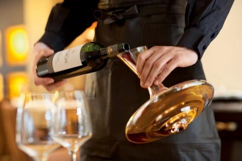 Sự kiện Thử rượu Cuối tuần mang đến cơ hội nếm thử những loại rượu vang trứ danh