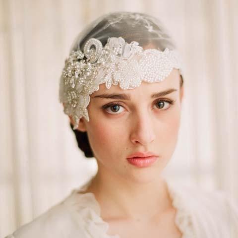 Xu hướng trang điểm cô dâu nhẹ nhàng đang thay thế dần cho phong cách truyền thống.