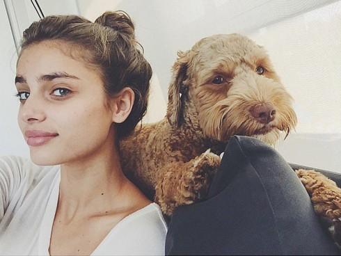 Đây là chú chó cưng của cô và bạn trai mình.
