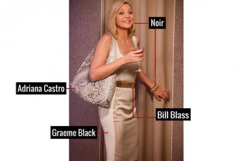 Trang nhã với đầm thêu chỉ vàng của Graeme Black, túi xách của Adriana Castro kèm thắt lưng màu vàng của Bill Blass, trang sức đi kèm của Noir