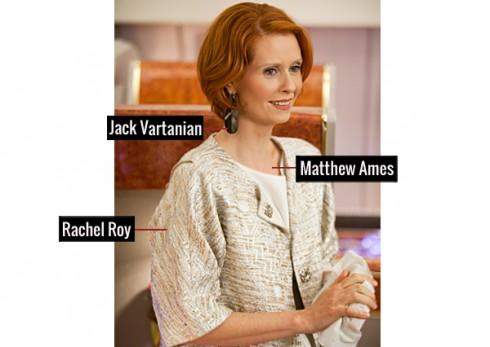Quý bà sang trọng khi diện đầm Matthew Ames, áo kiểu jacket của Rachel Roy và hoa tai tinh tế của Jack Vartanian.