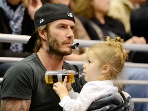 Tháng 10/2013 rồi đi xem bóng chày với bố David Beckham.
