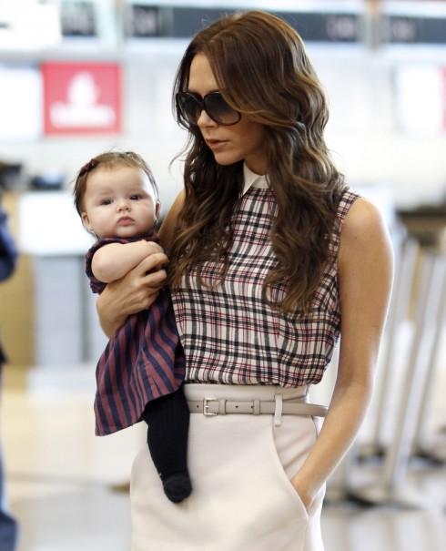 Tháng 11/2011 - Khi Harper được 4 tháng tuổi